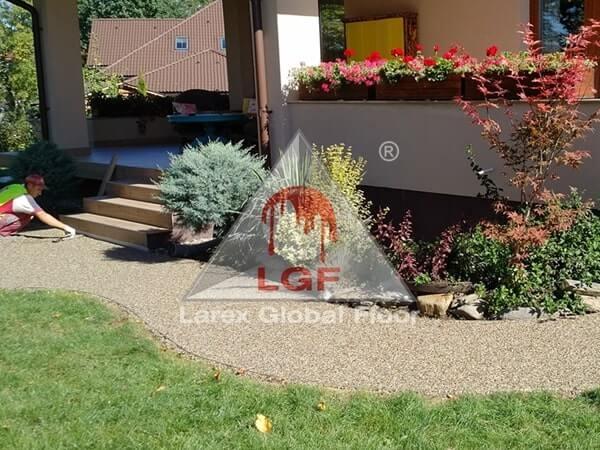 Larex Global Floor - Pardoseala drenanta aplicare alee acces casa rezidentiala